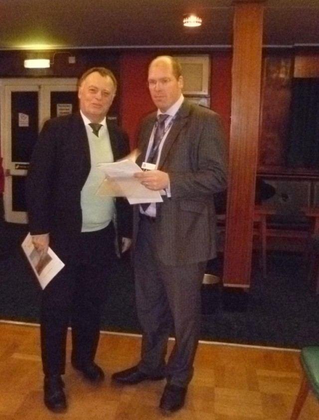 Andrew Smith MP (L) and Barry Russell, EA