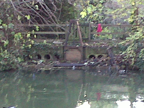 obstructions weir sluice castle mill stream