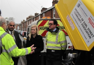 L to R: Nick Hills, resident and OFA; Lord Mayor, Councillor Mohammed Altaf-Khan; Nicola Blackwood, MP; Duncan MacDonald, Scottish & Southern Electricity Networks; the pump.